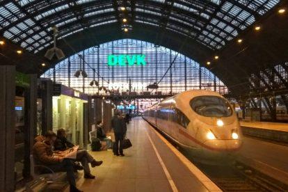 ICE do Amsterdamu na nádraží v Kolíně nad Rýnem. Foto: Jan Sůra