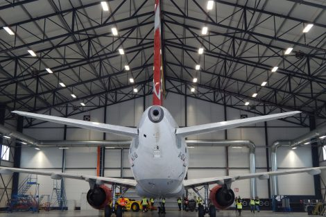 Nový hangár Letiště Praha a letoun A319 ČSA. Autor: Zdopravy.cz/Jan Šindelář
