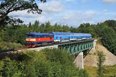 Lokomotiva 749.121 bardotka na cestě do Brd. Autor: České dráhy