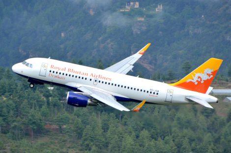 A319 Druk Air na odletu z Para. Foto: Slavomír Pískatý