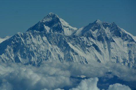 Mt. Everest z letadla. Foto: Slavomír Pískatý