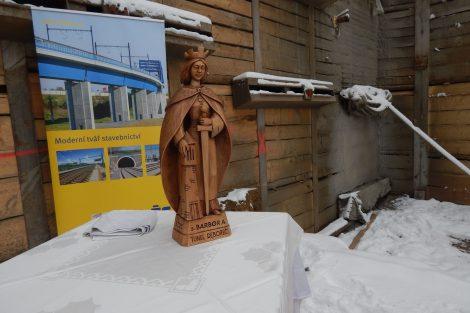 Soška sv. Barbory u tunelu Deboreč. Autor: Zdopravy.cz/Jan Šindelář