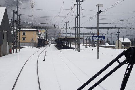 Pohled z vlaku ve stanici Göschenen. Foto: Vincenzo di Pasquale