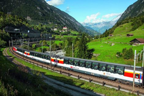 Vlak Gotthard Panorama Express. Foto: SBB
