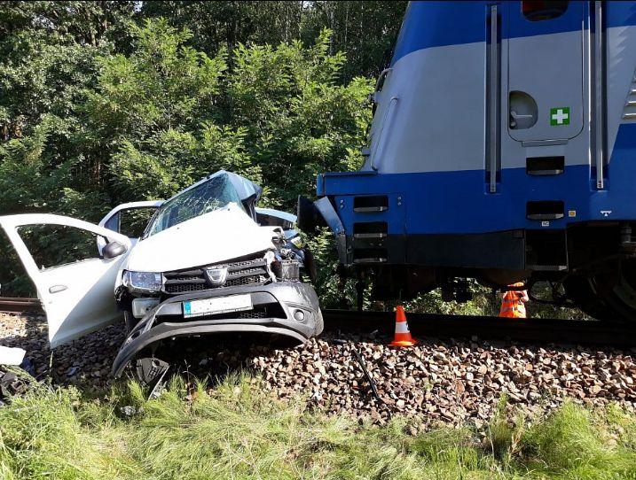 Nehoda lineckého expresu na přejezdu jižně od Českých Budějovic. Pramen: Policie ČR