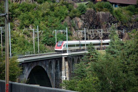 Provoz na Gotthardské dráze u Wassenu. Foto: Jan Sůra