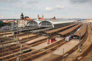Pražské hlavní nádraží. Autor: Lynx1211 – Vlastní dílo, CC BY-SA 4.0, https://commons.wikimedia.org/w/index.php?curid=62605137
