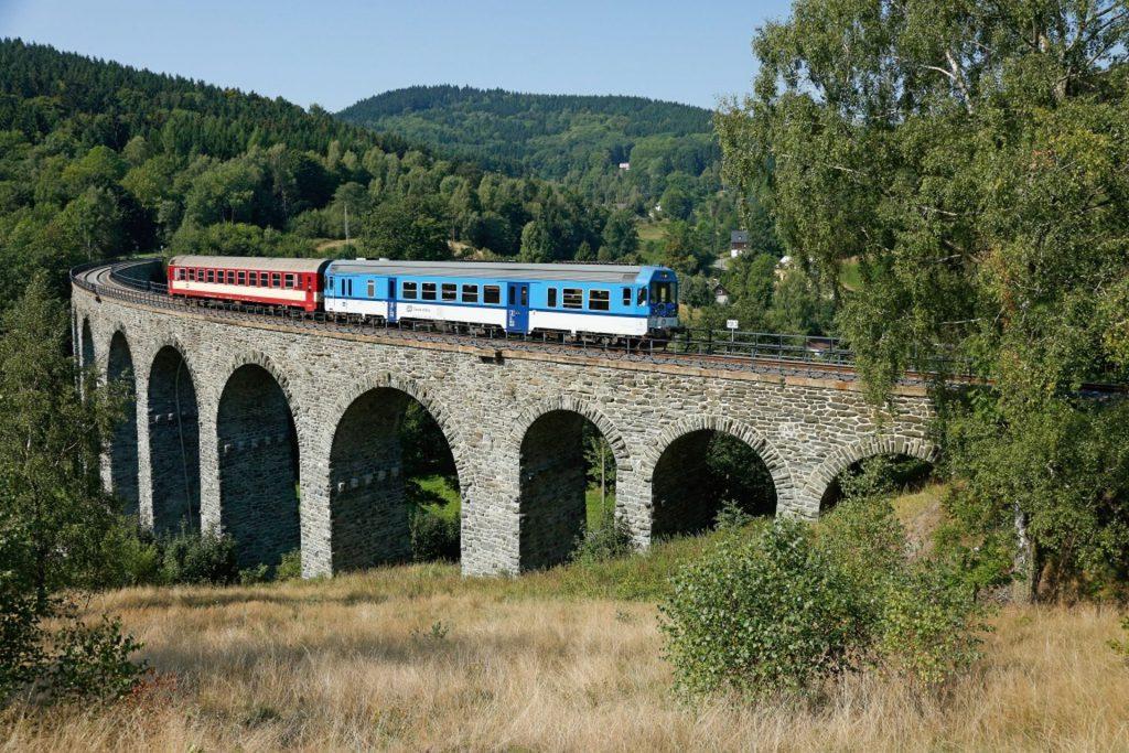 Viadukt v Novině na trati z Liberce do České Lípy. Foto: České dráhy