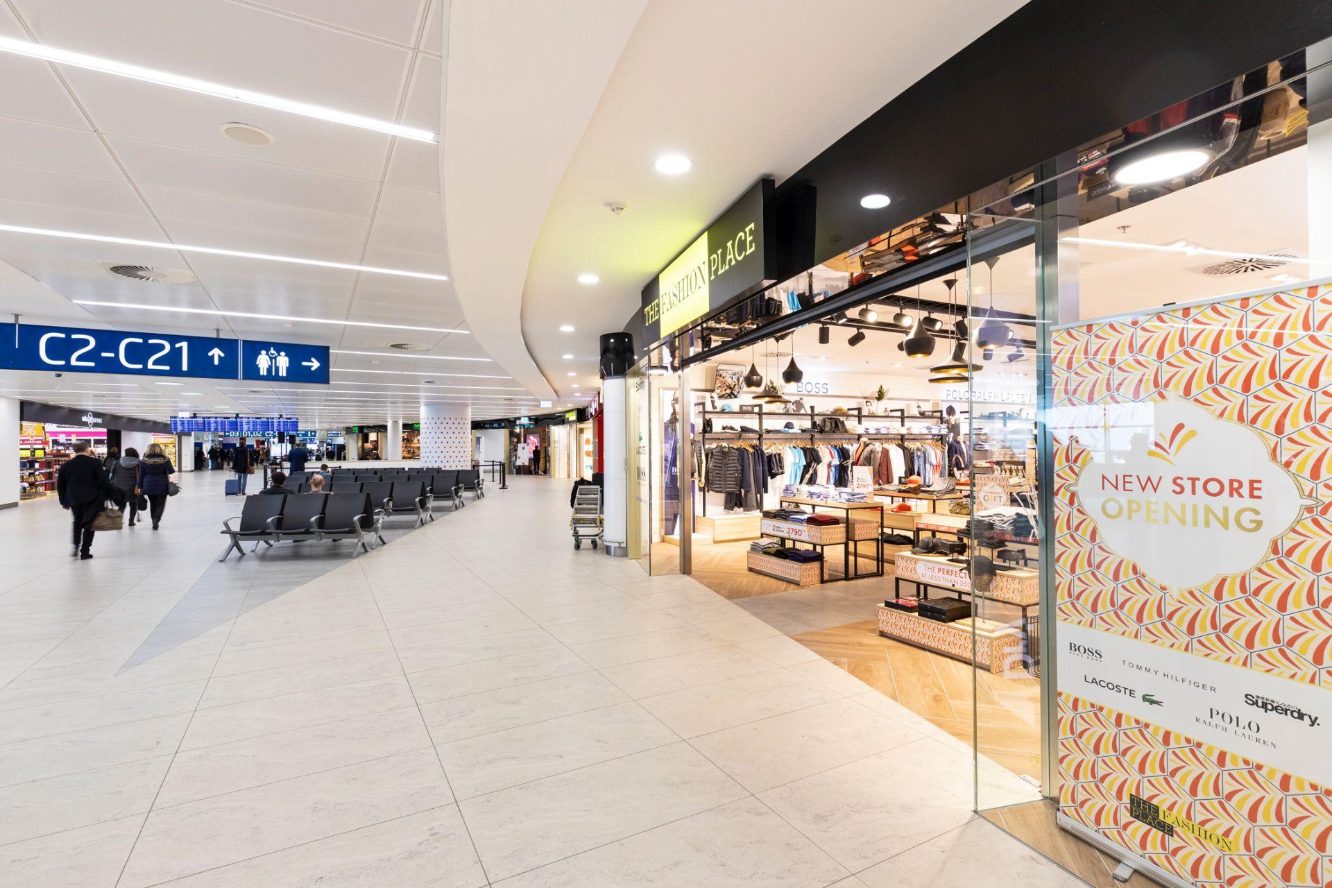 Místo kontroly obchody. Letiště zvětšilo komerční zónu, chystá soutěže na nájemce