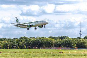 Airbus A321 společnosti Germania přistává na letišti Berlín - Tegel. Foto: Germania