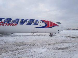 Vyjetí Boeingu 737-900 OK-TSM z dráhy v Moskvě 13. ledna 2019