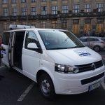 Kontrolní vůz firmy CzechToll před ministerstvem dopravy. Autor: Zdopravy.cz/Jan Šindelář