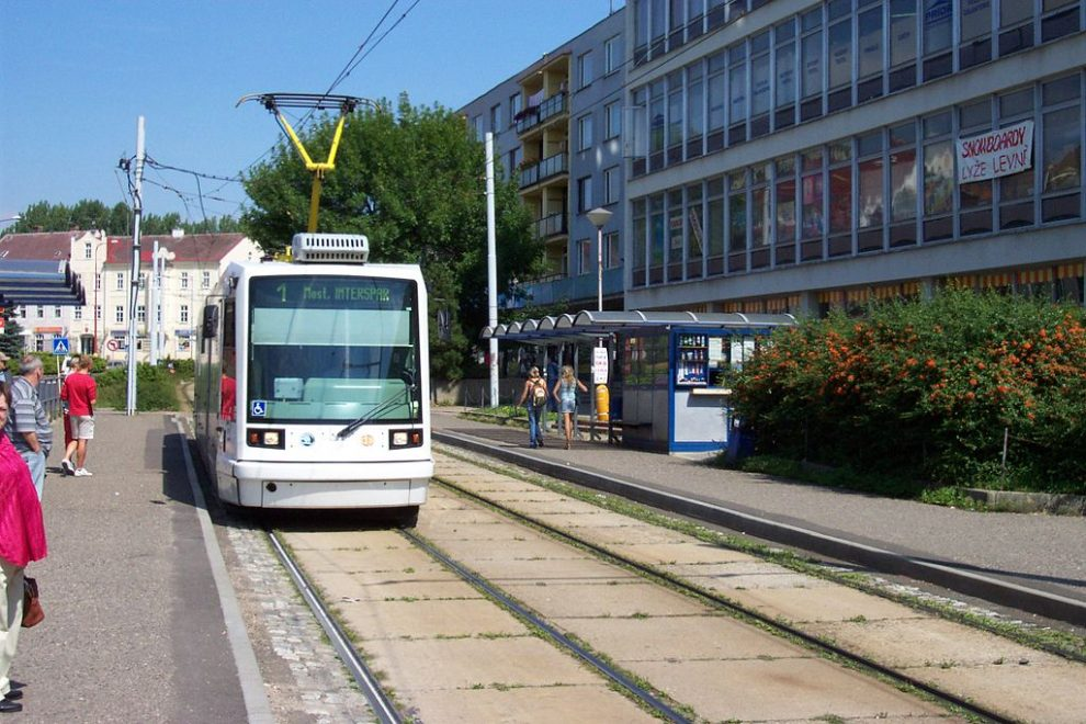 Tramvaj v Litvínově. Autor: User:Aktron – Fotografie je vlastním dílem, CC BY-SA 3.0, https://commons.wikimedia.org/w/index.php?curid=1067363