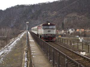 Lokomotiva 749 na Branickém mostě. Foto. Honza Groh / Wikimedia Commons