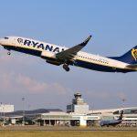 Letadlo Ryanairu na pražském letišti. Pramen: Letiště Praha