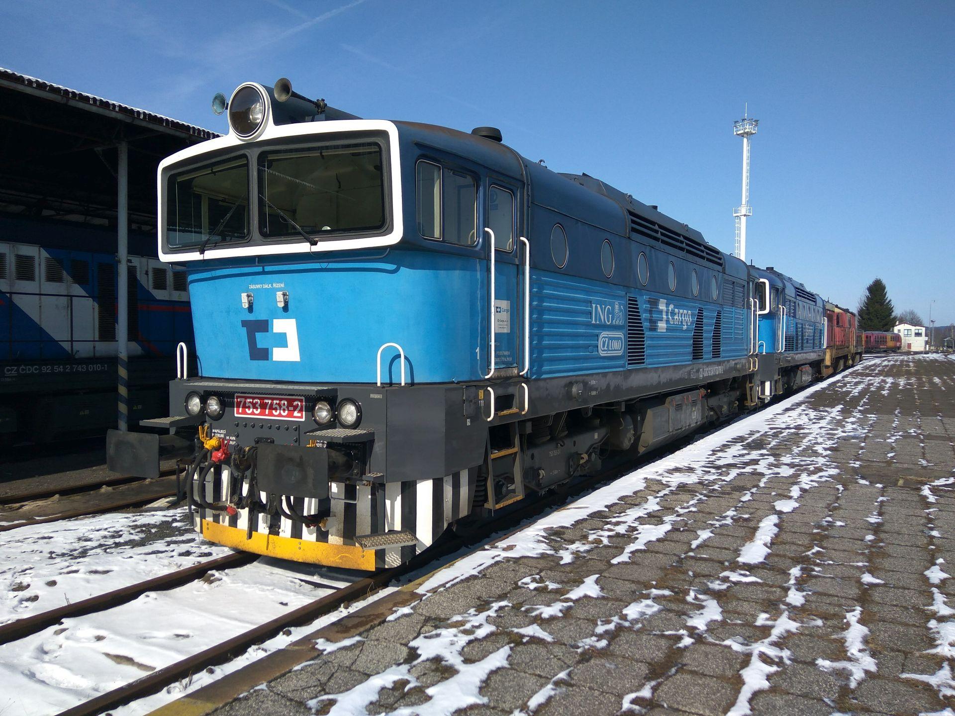 Brejlovci řady 753 (zachyceny ve stanici Liberec) prošly u ČD Cargo modernizací už dříve. Foto: Jan Sůra