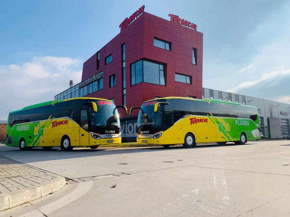 Autobusy Setra Comfort Class v barvách Turancaru a FlixBusu. Foto: FlixBus