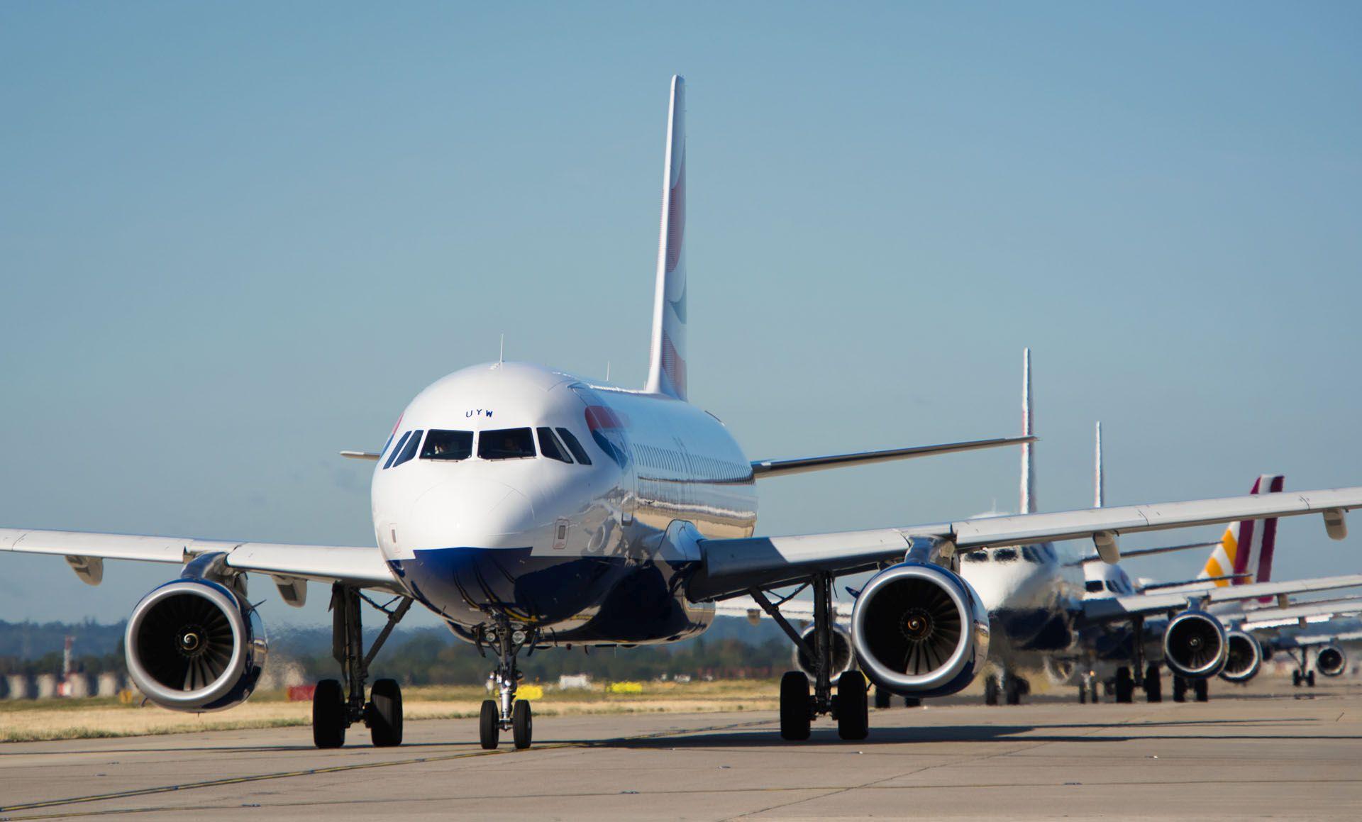 Pojíždění letadel na největším evropském letišti Londýn - Heathrow. Foto: Heathrow Airport