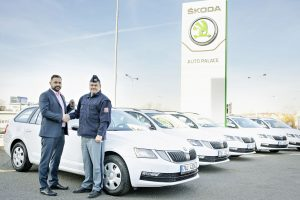 Předání vozidel Škoda Octavia Combi zástupcům Vězeňské služby. Foto Škoda Auto
