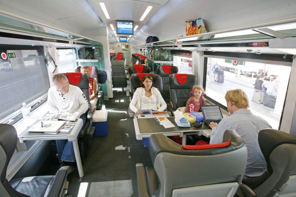 Cestující v railjetu. Foto: České dráhy
