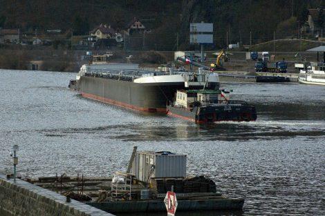 Nový tanker na Labi. Autor: Miroslav Neumaier