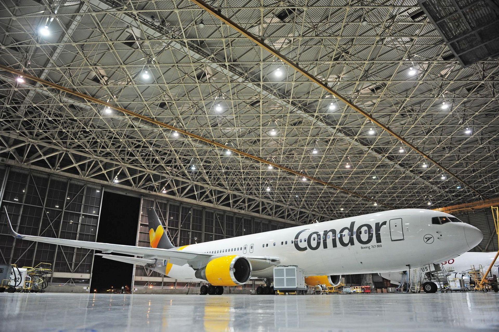 Boeing 767 společnosti Condor patřící pod skupinu Thomas Cook. Foto. Thomas Cook
