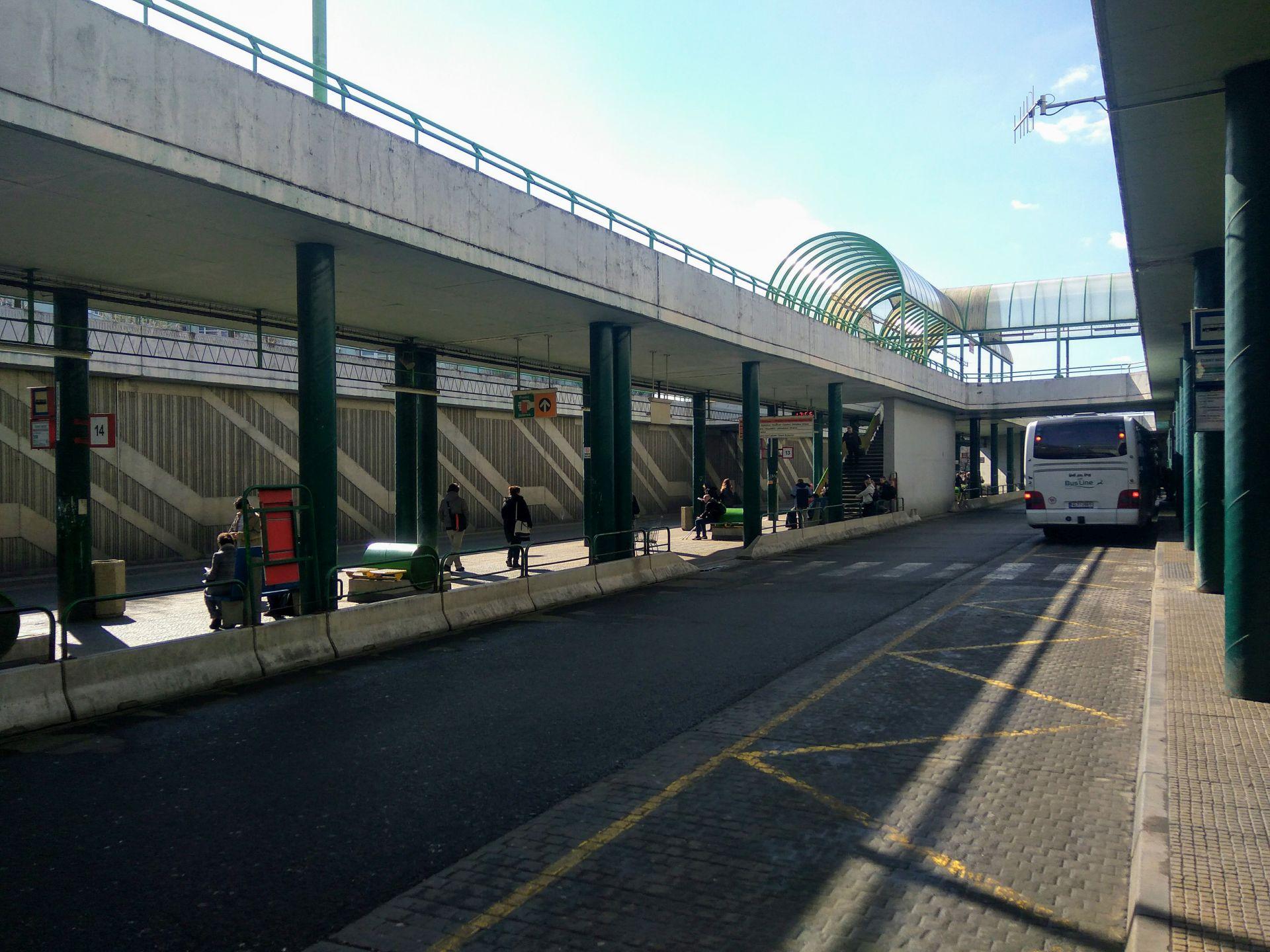 Autobusové nádraží v Praze na Černém Mostě. Foto: Jan Sůra