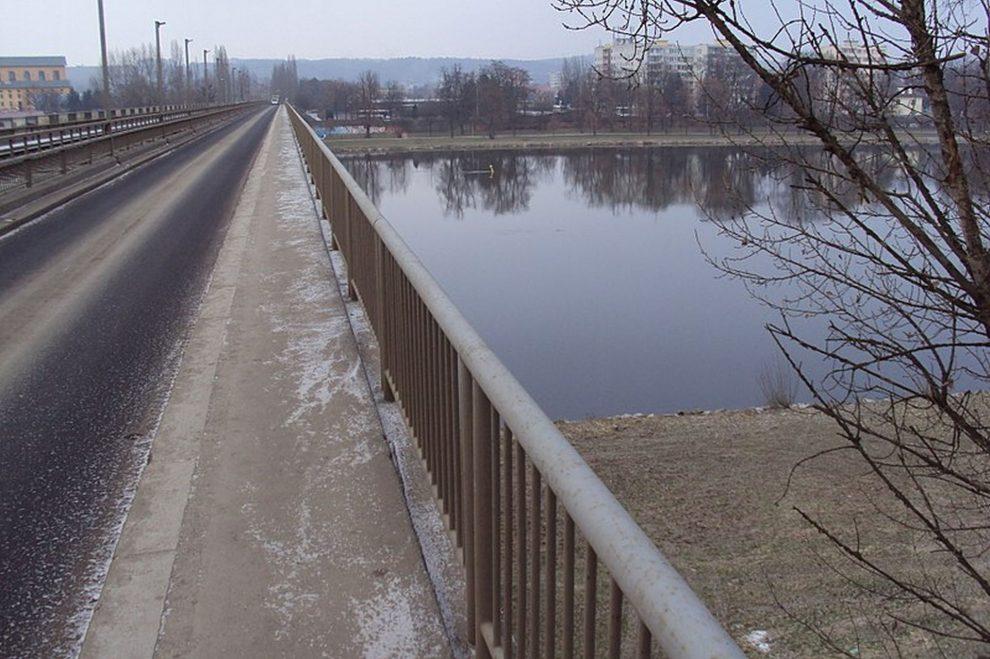 Most přes Labe ve Štětí. Foto: Zákupák / Wikimedia Commons