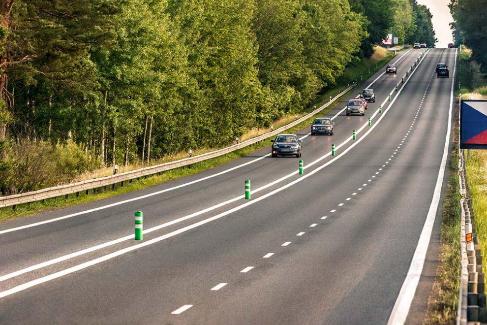 Úsek silnice I/3 Mirošovice - Benešov. Pramen: ŘSD