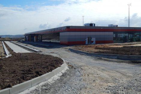 Letiště České Budějovice, příjezd k terminálu. Autor: Zdopravy.cz/Jan Šindelář