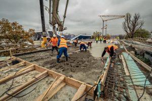 Betonování viaduktu před Štvanicí. Foto: Hochtief