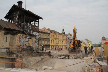 Rekonstrukce v úseku vyhořelé budovy hradla. Foto: Hochtief