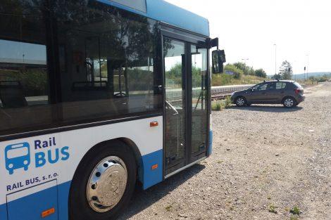 Autobus náhradní autobusové dopravy, ilustrační foto. Autor: Zdopravy.cz/Jan Šindelář