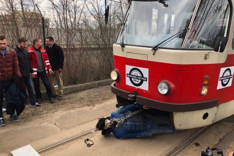 Simulace střetu tramvaje s chodcem. Autor: Ondřej Kubala