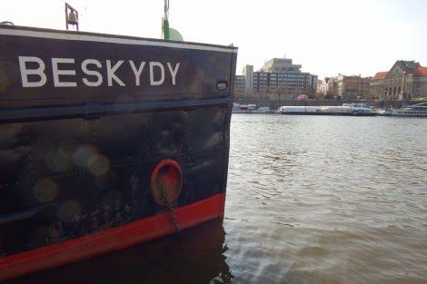 Remorkér Beskydy v Praze. Autor: Zdopravy.cz/Jan Šindelář