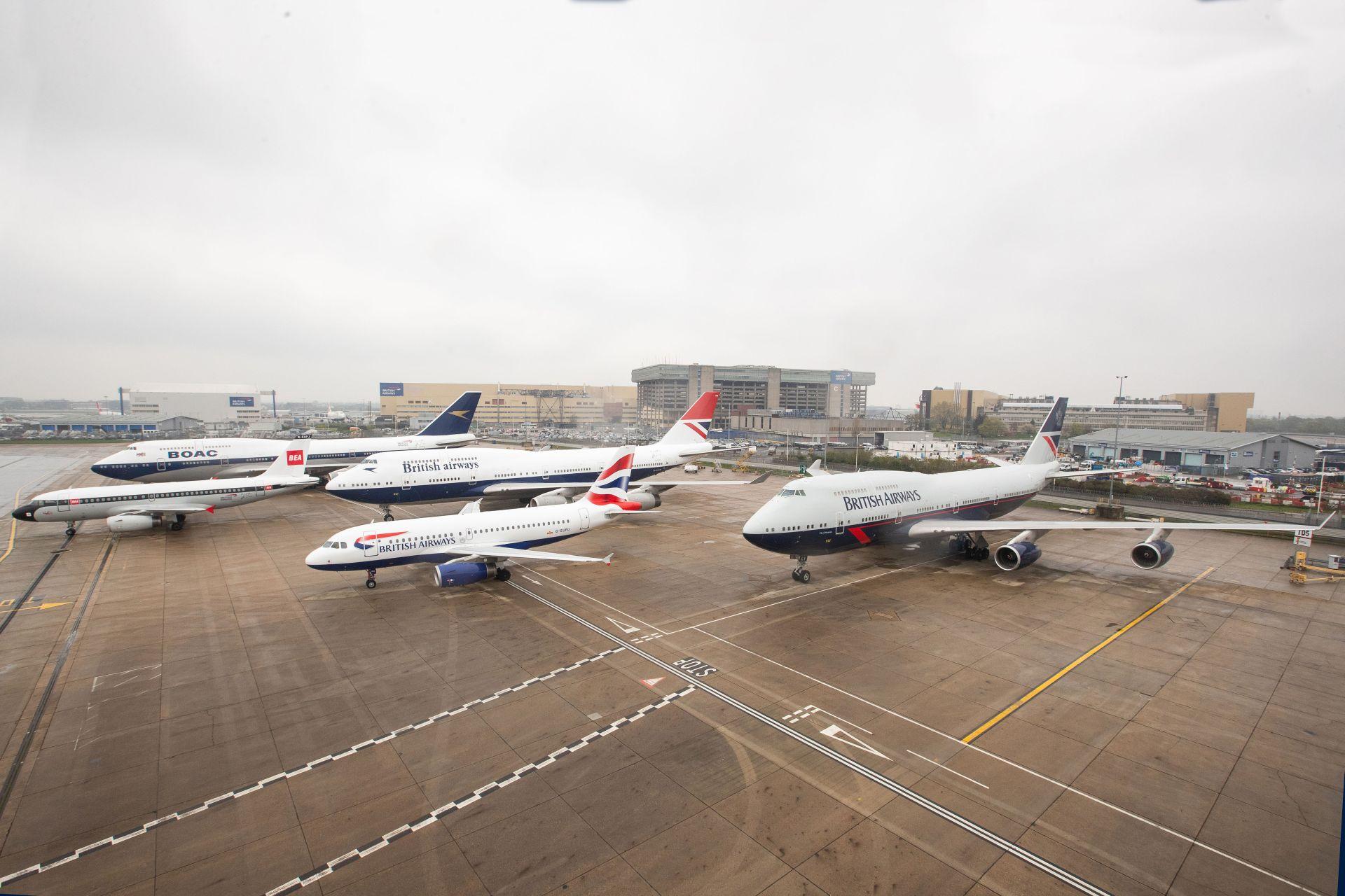 Čtyři letadla v historickém nátěru British Airways společně s A319 v současném designu. Foto: Nick Morrish/British Airways