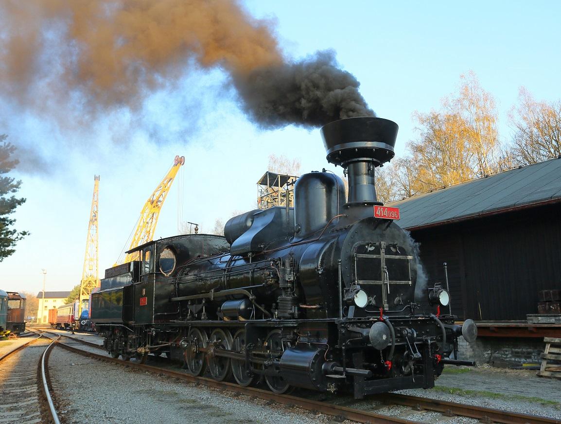 Lokomotiva 414.096 zvaná heligon. Autor: České dráhy