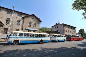 Historické autobusy. Pramen: ROPID