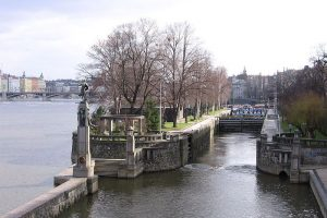 Plavební komora Smíchov. Autor: Jvs – Vlastní dílo, CC BY-SA 3.0, https://commons.wikimedia.org/w/index.php?curid=1779864