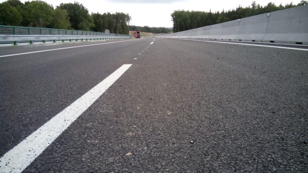 Asfaltový povrch dálnice. Pramen: Sdružení pro výstavbu silnic