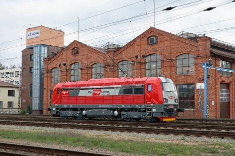 Lokomotiva EffiLiner 1600 společnosti RCC – CZ během předváděcí jízdy u výrobního závodu CZ LOKO v České Třebové. Foto: CZ LOKO