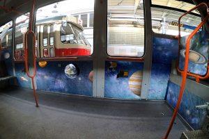 Brněnská tramvaj s vesmírným interiérem. Autor: DPMB