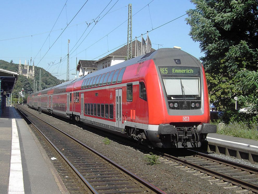 Dvoupodlažní souprava DB Regio s řídícím vozem. Foto: Von Qualle - Eigenes Werk, CC BY-SA 3.0, https://commons.wikimedia.org/w/index.php?curid=3336653