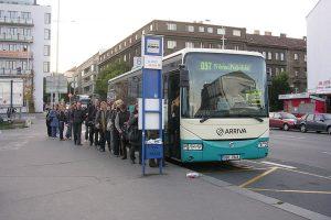 Autobus do Příbrami v Praze Na Knížecí. Foto: Šjů / Wikimedia Commons