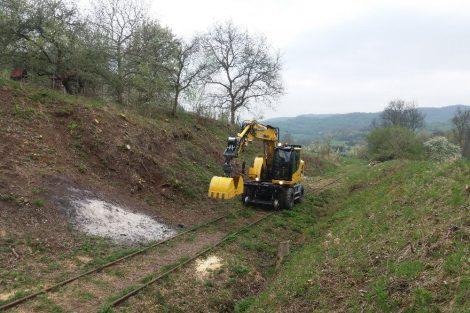 Obnova trati ze Zubrnic do Lovečkovic. Pramen: Zubrnická museální dráha