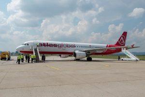 Airbus A321-200 společnosti AtlasGlobal v Piešťanech. Foto: Letisko Piešťany