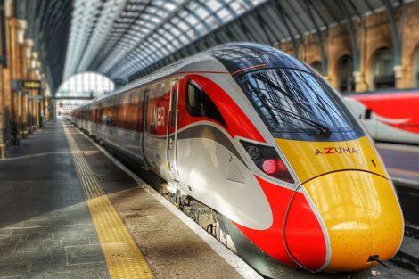 Nová jednotka Hitachi Azuma na nádraží Kings Cross v Londýně. Foto: LNER