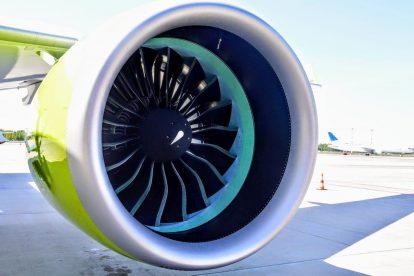 Letadlo pohání dva motory Pratt & Whitney PW1500G. Foto: Jan Sůra