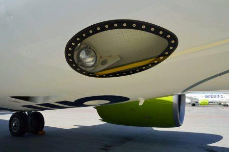 Spodní část trupu a podvozek letadla A220-300. Foto: Jan Sůra