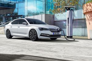 Nová Škoda Superb s plug-in hybridním pohonem. Foto: Škoda Auto